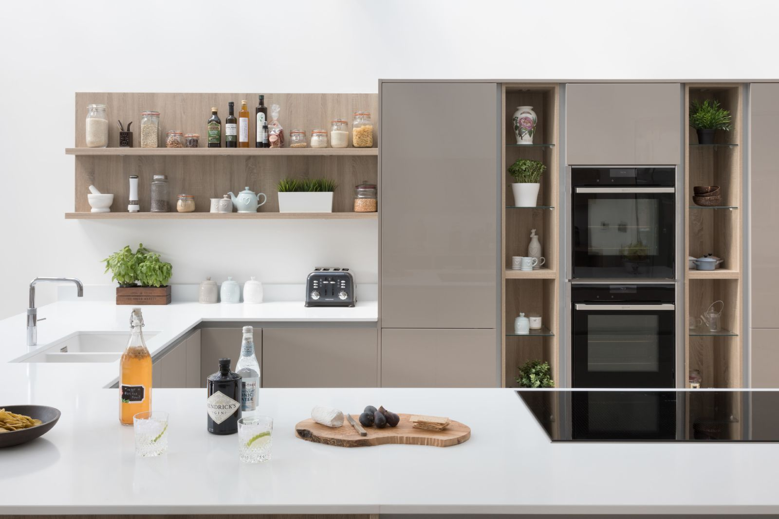 Open shelving in a handleless kitchen, Cardiff