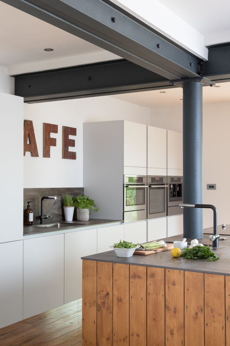 The Hunter Family's Kitchen Cabinets by Masterclass Kitchens