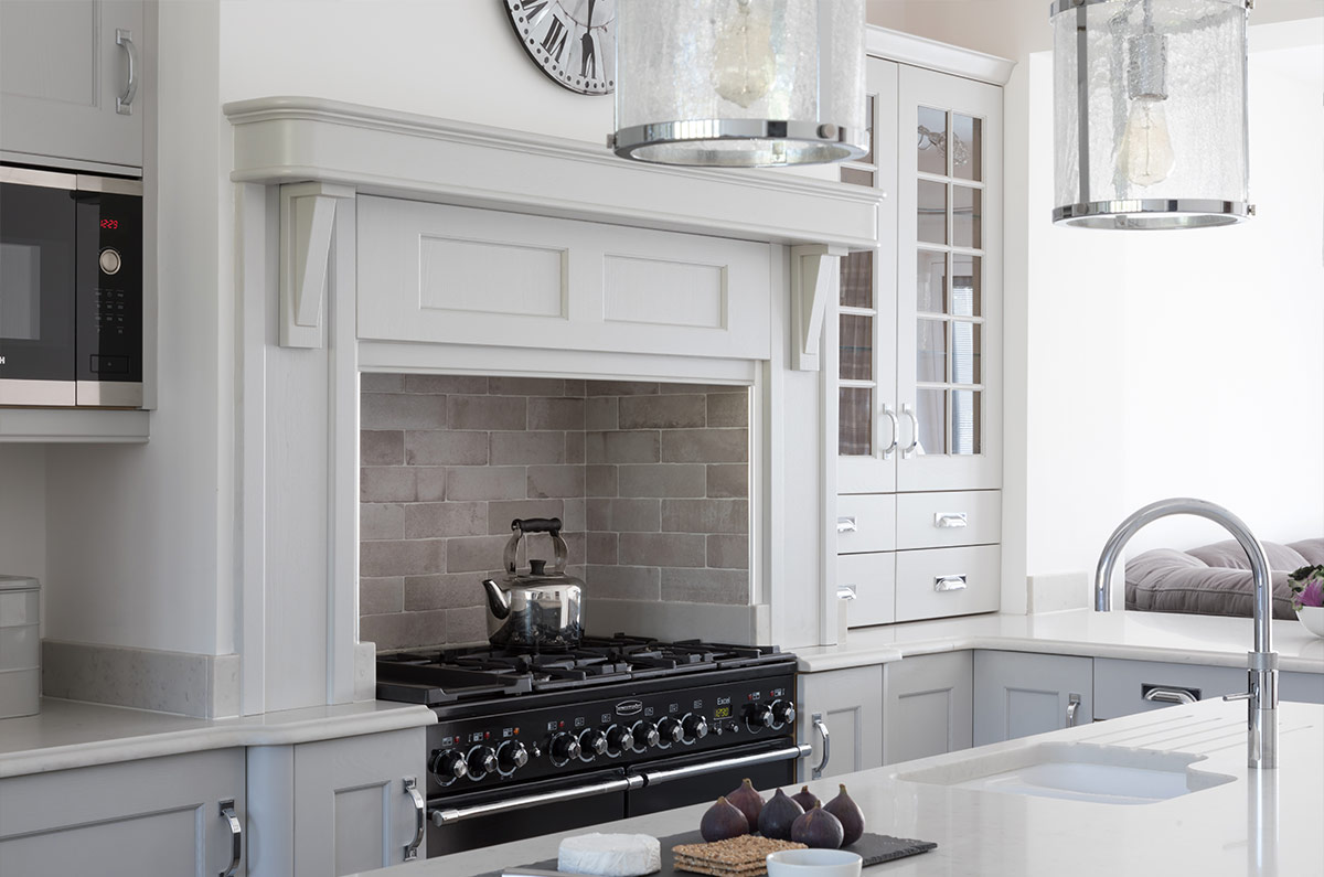 Classic Mantle by Masterclass Kitchens