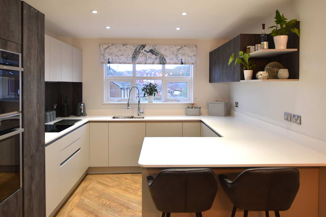 Masterclass Kitchens Handleless Kitchen in Light Grey
